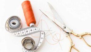 Herramientas de Costura Esenciales Para Tu Espacio de Trabajo